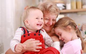 бабушки и дедушки с детьми
